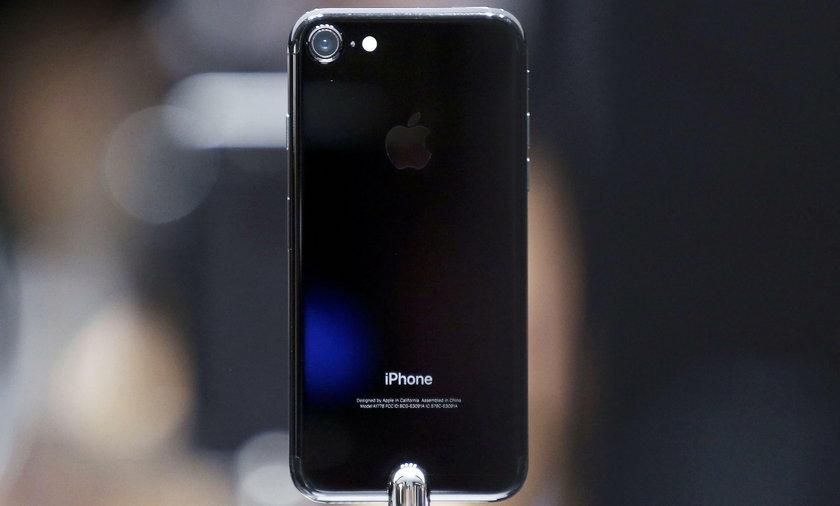 Słuchawki iPhone i premiera iPhone 7 bez gniazda słuchawek