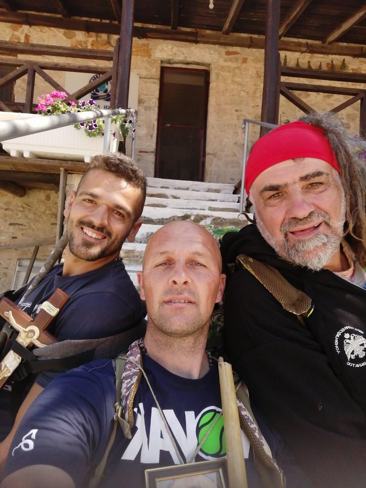 Trojica hodočasnika