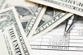 Raje podatkowe są opłacalne, więc pieniądze płyną