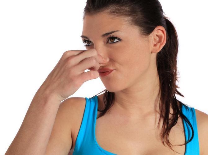 Ne miriše lepo, ali kada vidite šta radi koži, disaćete i na usta ako treba!