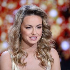 """Ola Jordan pręży dekolt na planie """"Tańca z gwiazdami"""""""