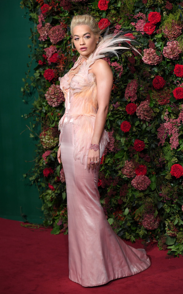 Rita Ora na rozdaniu Evening Standard Theatre Awards