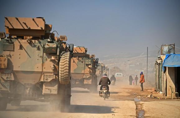 Turska vojska na putu od Sarmade ka granici