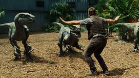 """Pracownicy zoo """"bawią się"""" z żywymi zwierzętami w """"Jurassic World"""""""