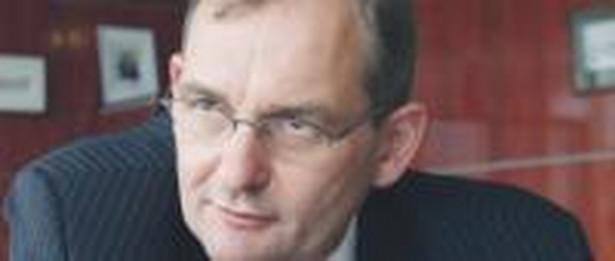 Polbank, którym kieruje Kazimierz Stańczak, ugiął się pod presją KNF i swoich klientów i zrezygnował z pobierania wyższych prowizji od części kredytów Fot. Wojciech Górski