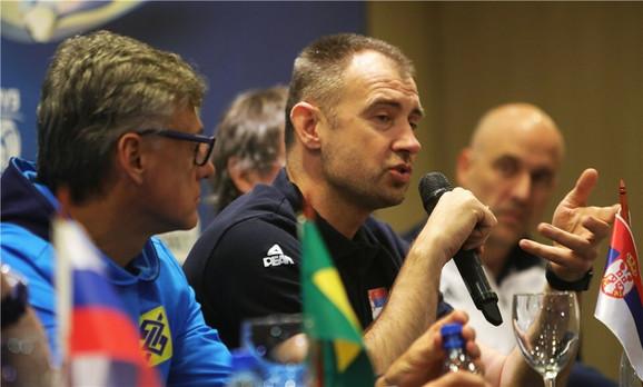 Nikola Grbić na konferenciji za medije u Brazilu