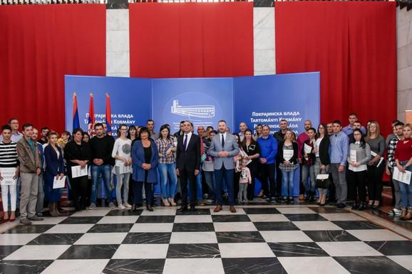 Dodela ugovora za kupovinu seoskih kuća u Vojvodini