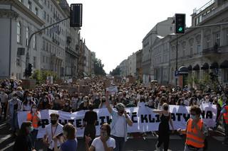 Młodzieżowy Strajk Klimatyczny na ulicach Warszawy