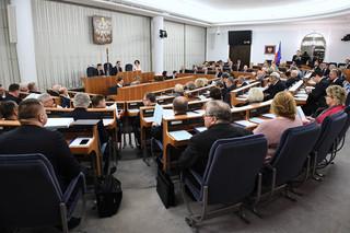 Senat przyjął nowelizację budżetu na 2020 r. i zgłosił do niego poprawki: Więcej pieniędzy na zdrowie i oświatę