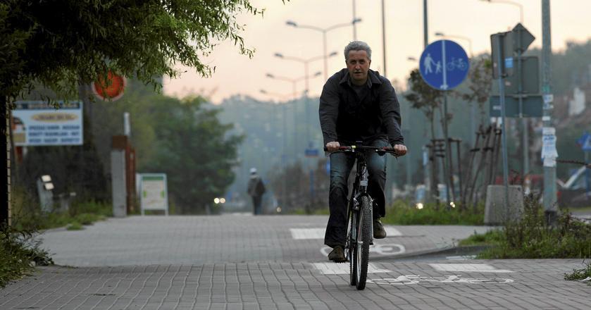 Samochodem, rowerem, pieszo. Jak Europejczycy docierają do pracy?