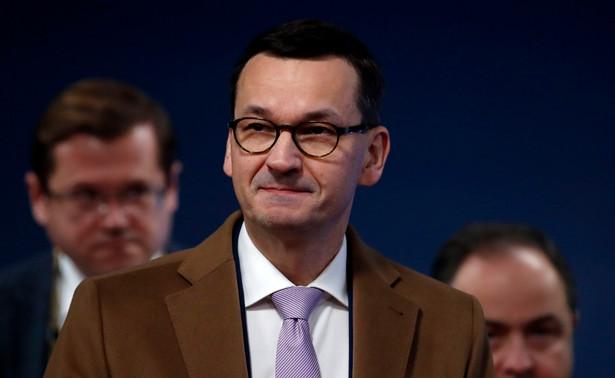 Premier Mateusz Morawiecki poinformował, że w poniedziałek Rada Ministrów przyjęła projekt ustawy budżetowej na 2020 rok bez deficytu.