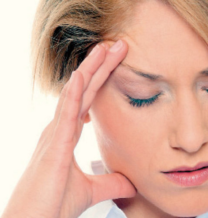 Novčani problemi mogu da izazovu glavobolju i bolove, čak i ako se ne osećate stresno