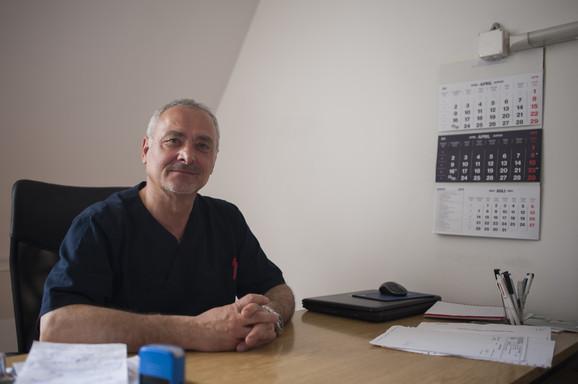 Dr Čedomir Topuzović