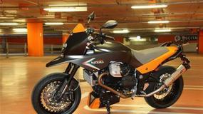 V-Twin Motard - nowa kreacja tunera Moto Guzzi