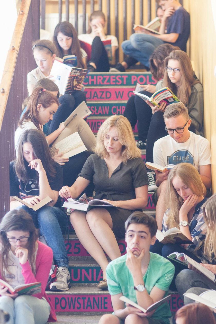 Gimnazjaliści z Lubonia bili rekord w czytaniu