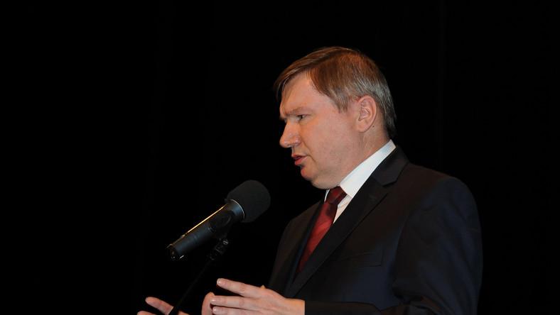 Były minister spraw wewnętrznych wydał prawie 2 mln zł na remont gabinetu
