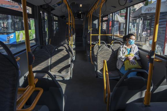 U busevima se tako prevozilo ne više od pet ljudi