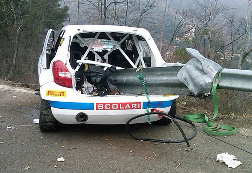 Bariera wbiła się do auta Kubicy