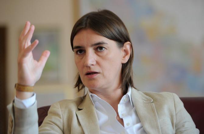 Premijerka Ana Brnabić: dok je bila ministarka državne uprave  i lokalne samouprave, Ana je imala ovakvu frizuru