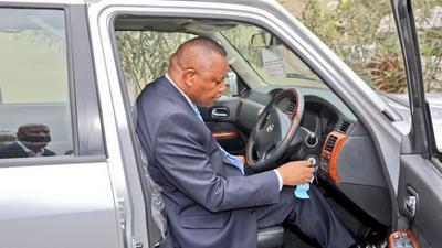 DCI Kinoti receives 5 SUV cars from US [Photos]