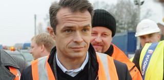Polscy przewoźnicy na lodzie. Minister Nowak kasuje zagraniczne wsparcie dla transportu