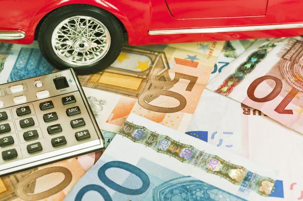Dwie trzecie nabywców samochodów stanowią firmy.