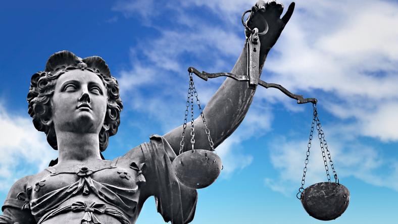 Oskarżeni o wspieranie ISIS pozostaną na wolności