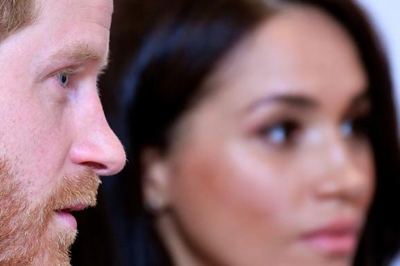 OVO UOPŠTE NISU OČEKIVALI Kraljica naterala Harija i Megan da se odreknu jedne stvari zbog koje su oboje bili ŠOKIRANI