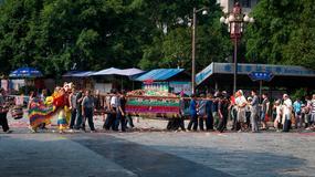 Chiny: zakaz nieprzyzwoitych tańców na pogrzebach