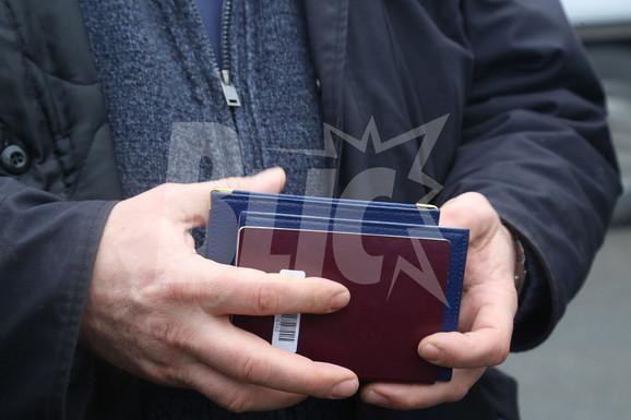 Brojni pasoši nađeni u kolima otmičara