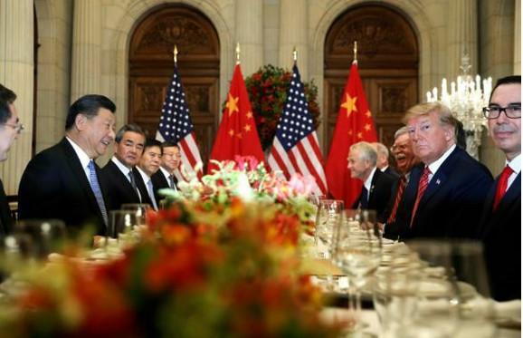 Donald Tramp i Si Đinping na večeri