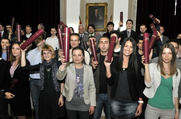 Beogradski ETF samoinicijativno dodelio nove diplome
