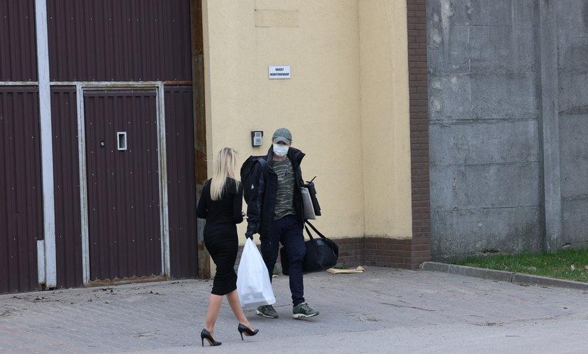 Sławomir Nowak wychodzi z aresztu