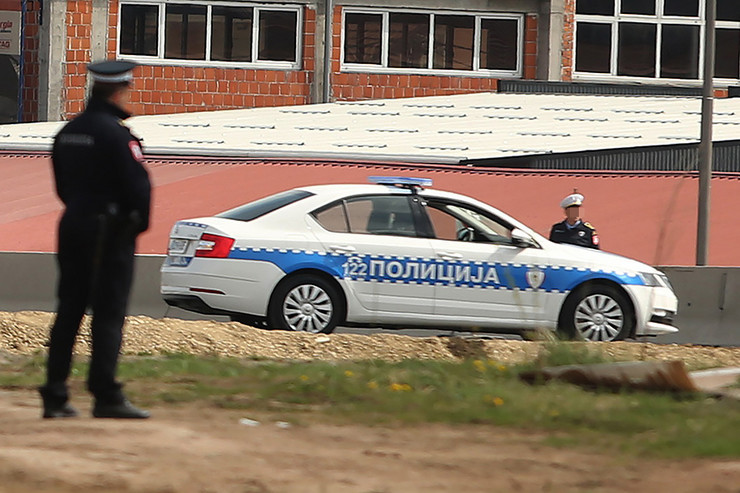 policija-ilustracija-03-foto-S-PASALIC-1