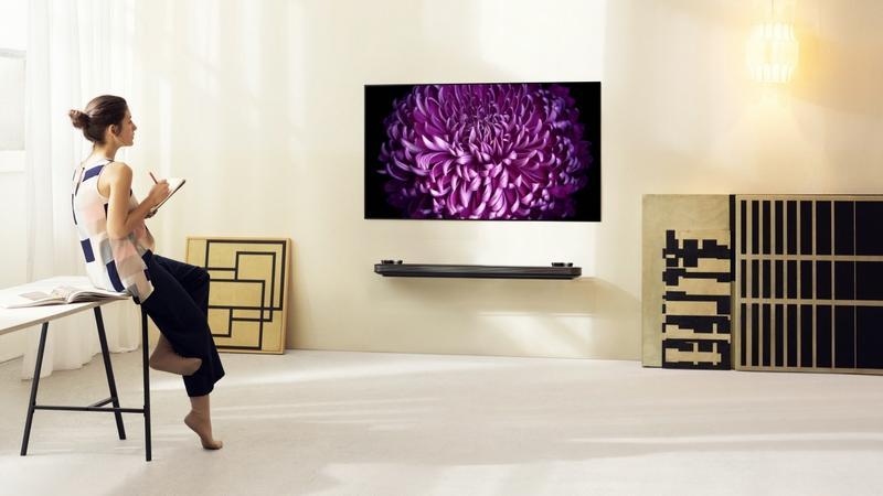 77-calowy ekran jak obaz na ścianie. LG prezentuje najnowsze telewizory OLED