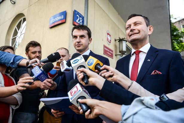 Adam Szłapka i Paweł Rabiej z Nowoczesnej