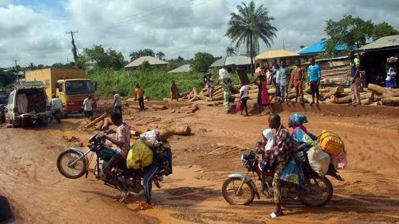 Moniya-Iseyin road (HallaNaija Blog)