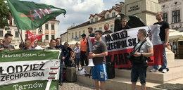 Pikieta za i przeciw uchodźcom w Rzeszowie