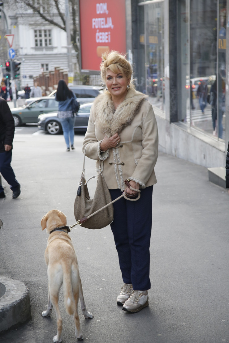 Suzana Mančić  - komšije