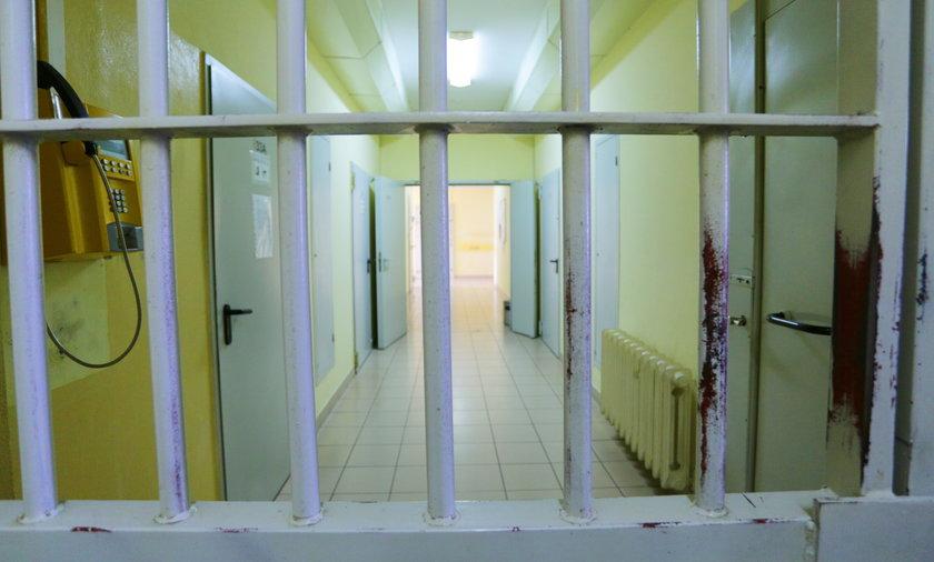 Przechodził w niedozwolonym miejscu, skończył w więzieniu