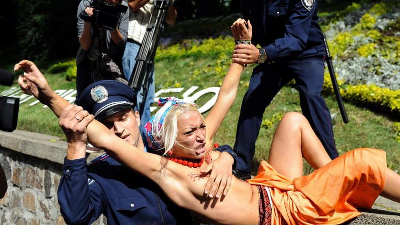 Feministki z Femenu zatrzymane przed siedzibą rządu