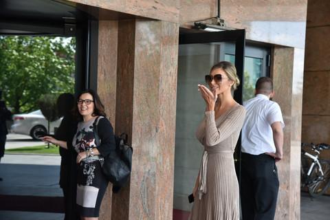 Svadba Dragane Džajić i Miloša Ivanovića je počela, a ovako izgleda BAJKOVITA sala hotela gde slave! FOTO