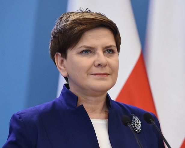 Premier Beata Szydło podczas konferencji prasowej, PAP/Radek Pietruszka
