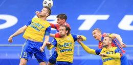 """Trener Arki Gdynia mocno liczy na wsparcie fanów. """"Kibice pomogą im awansować?"""""""