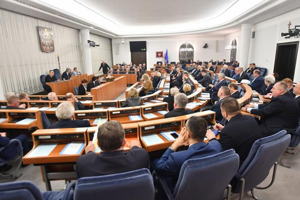 Senatorowie zajmują się nowelizacją ustawy o IPN