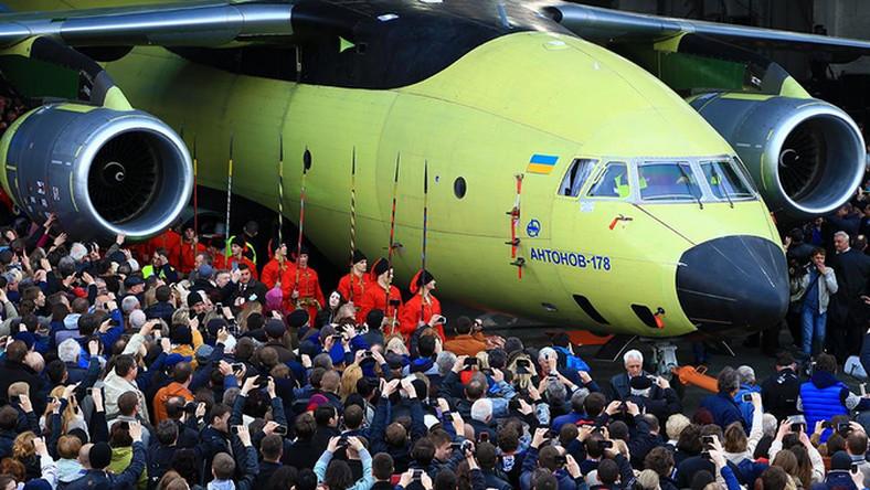 Jest samodzielnym projektem Antonowa. Maszynę zbudowano bez wykorzystania rosyjskich części