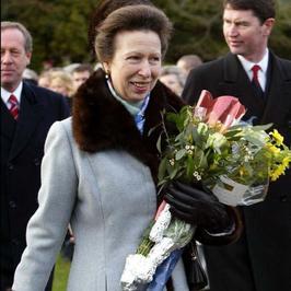 Księżniczka Anna nosi te same ubrania od... 35 lat!