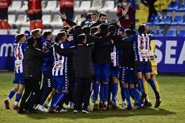 FK Alkojano slavi eliminaciju Reala iz Kupa