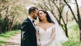 Jamala - najpierw pokonała Michała Szpaka na Eurowizji, teraz wzięła ślub. Jej suknia ślubna zachwyca!