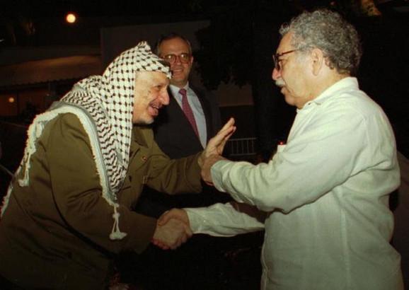 Gabrijel Garsija Markes sa Jaserom Arafatom